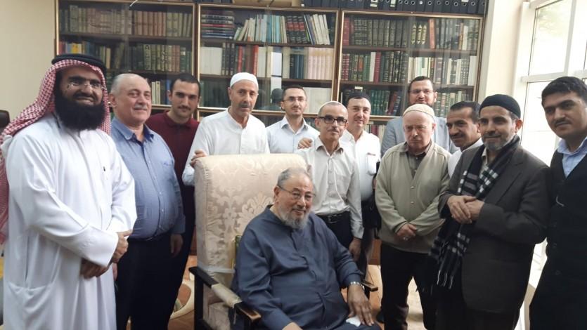مع بعض تلاميذ مدرسة الأستاذ سعيد النورسي من تركيا