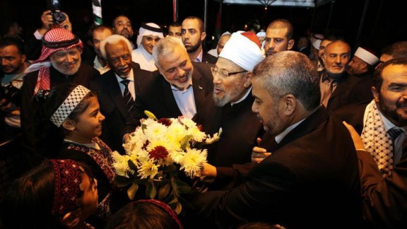 في مستهل زيارة غزة (2013)