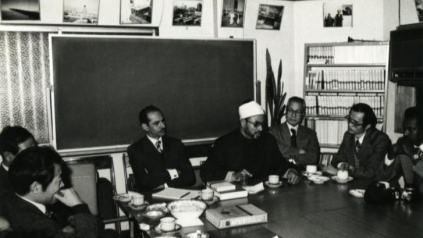 في المعهد الديني بالدوحة خلال الستينيات