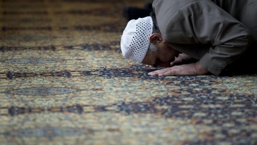 الصلاة في الأرض المغصوبة