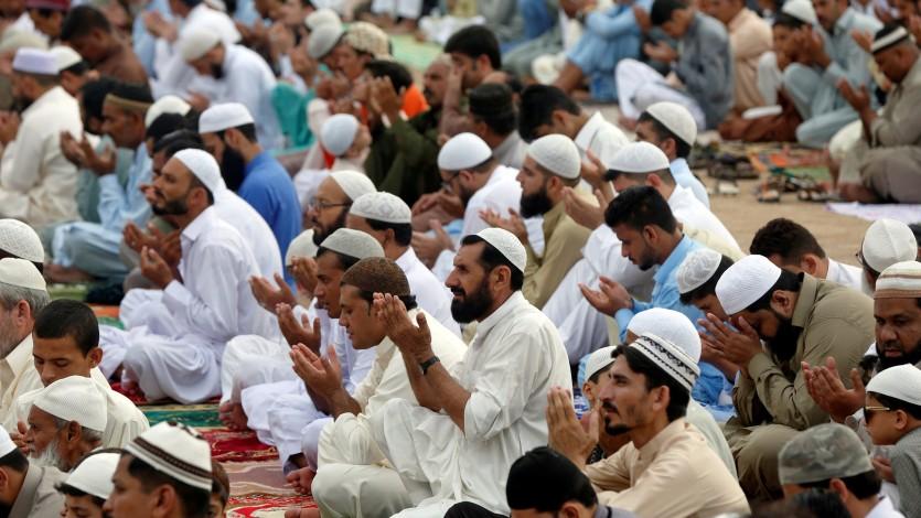 الجماعات الإسلامية بين البدعة والوجوب