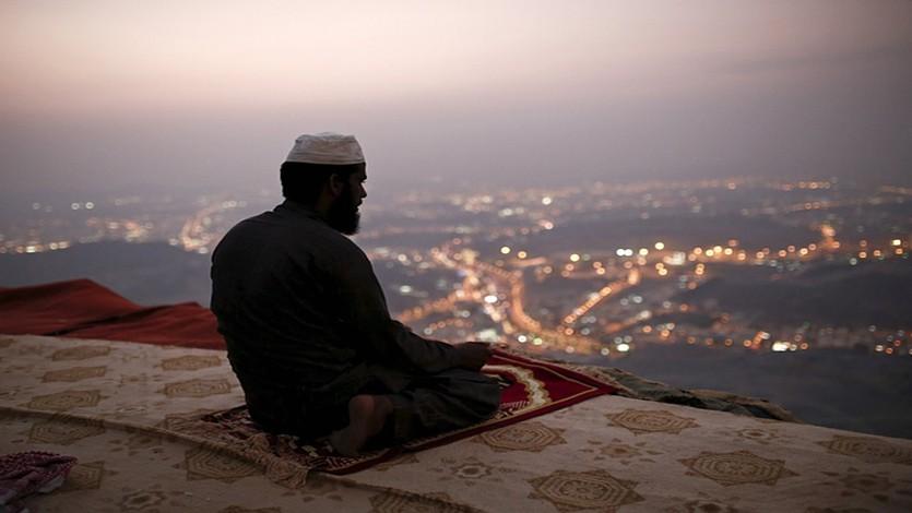 القرضاوي: الدين سر الوجود وجوهر الحياة وروح العالم