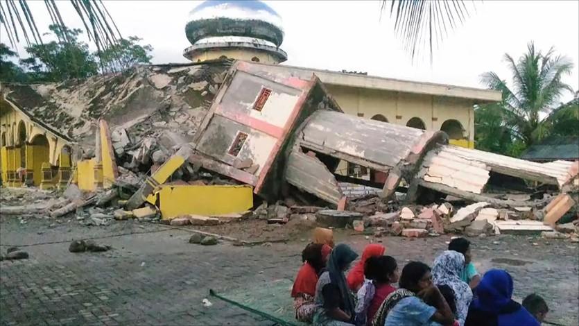 القرضاوي: إغاثة المصابين بالكوارث العامة فرض على الأمة