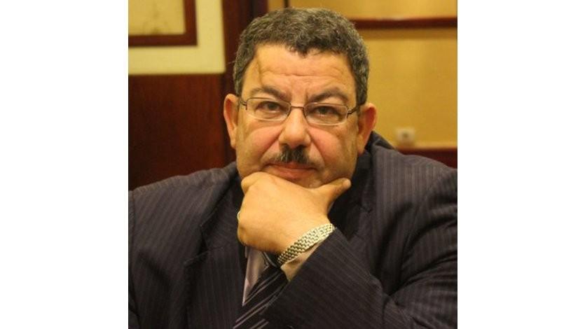 (193) تقديمي لكتاب تقرير «الأمة في عام» ونقد الأستاذ سيد ياسين له وردي عليه