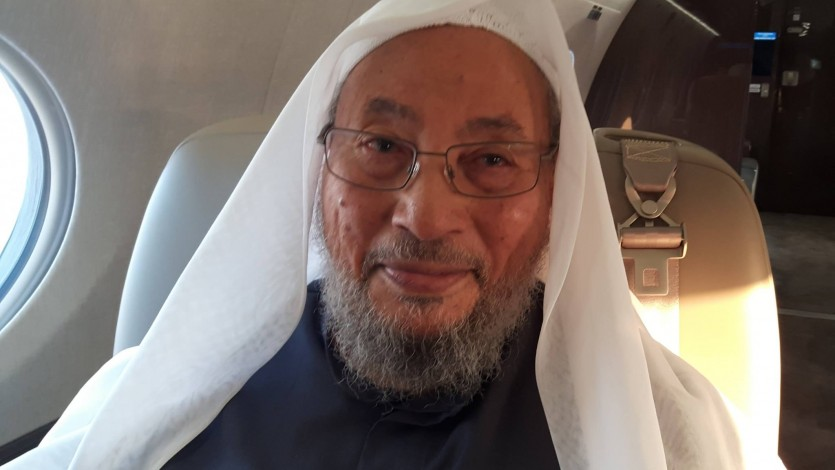 القرضاوي يصل الدوحة قادماً من إسطنبول