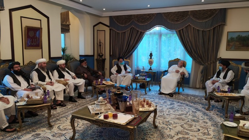القرضاوي يستقبل وفدًا من حركة طالبان