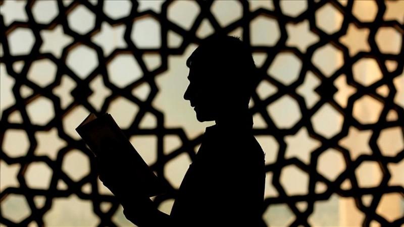 الإسلام يضع الموازين القسط بين الربانية والإنسانية
