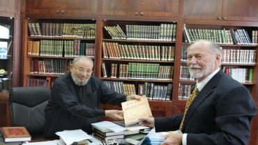 مع روبرت كلين أو فاروق عبد الحق مستشار الرئيس الأمريكي السابق نيكسون