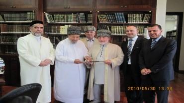 مع وفد من الشيشان