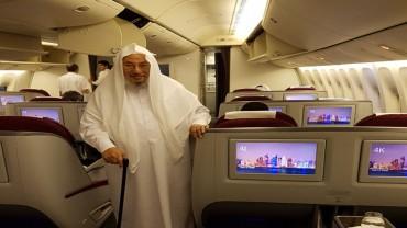 عائدا إلى الدوحة من إحدى الرحلات العلمية
