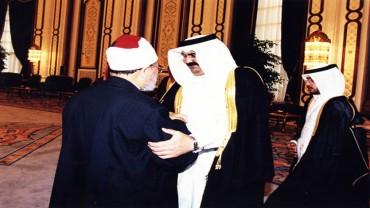 مع سمو الأمير الوالد الشيخ حمد بن خليفة آل ثاني