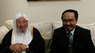مع سفير إندونيسيا بالدوحة محمد بصري سيداهابي (2016)