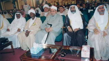 في مؤتمر مع المشير الراحل عبد الرحمن سوار الذهب