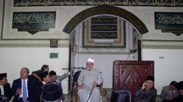 في أحد مساجد إندونيسيا